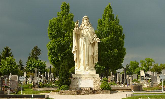 Die riesige jesus statue war eine stiftung des baumeisters johann